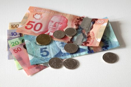 minimum wage Canada